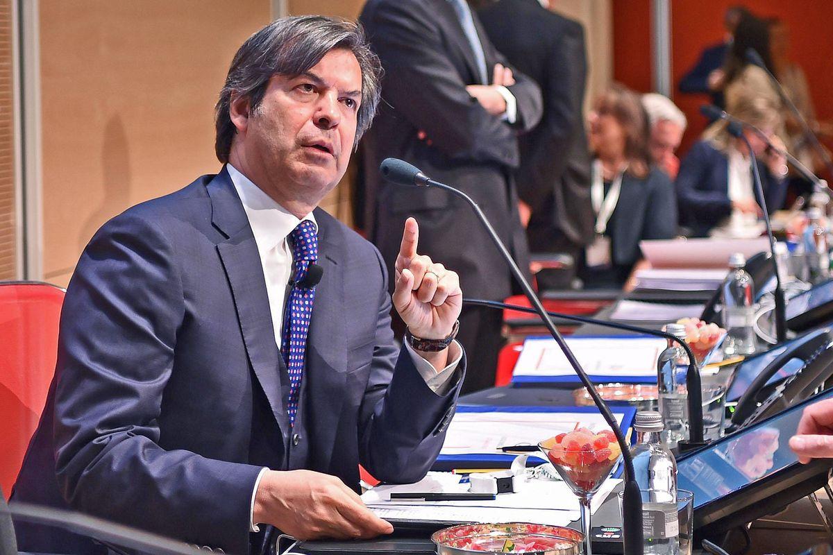 Conquistata Ubi adesso Intesa sorpassa Santander e tallona i francesi