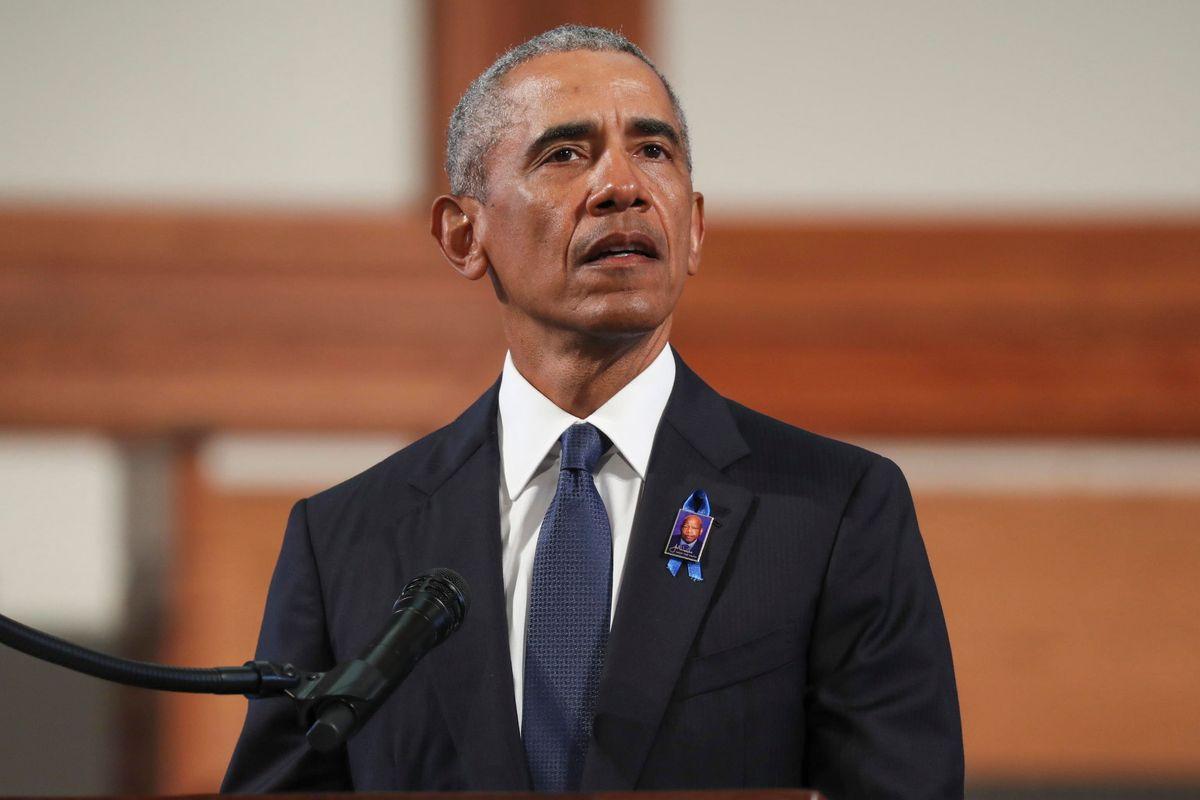 La vice di Obama prima difende l'ex presidente, poi lo inguaia