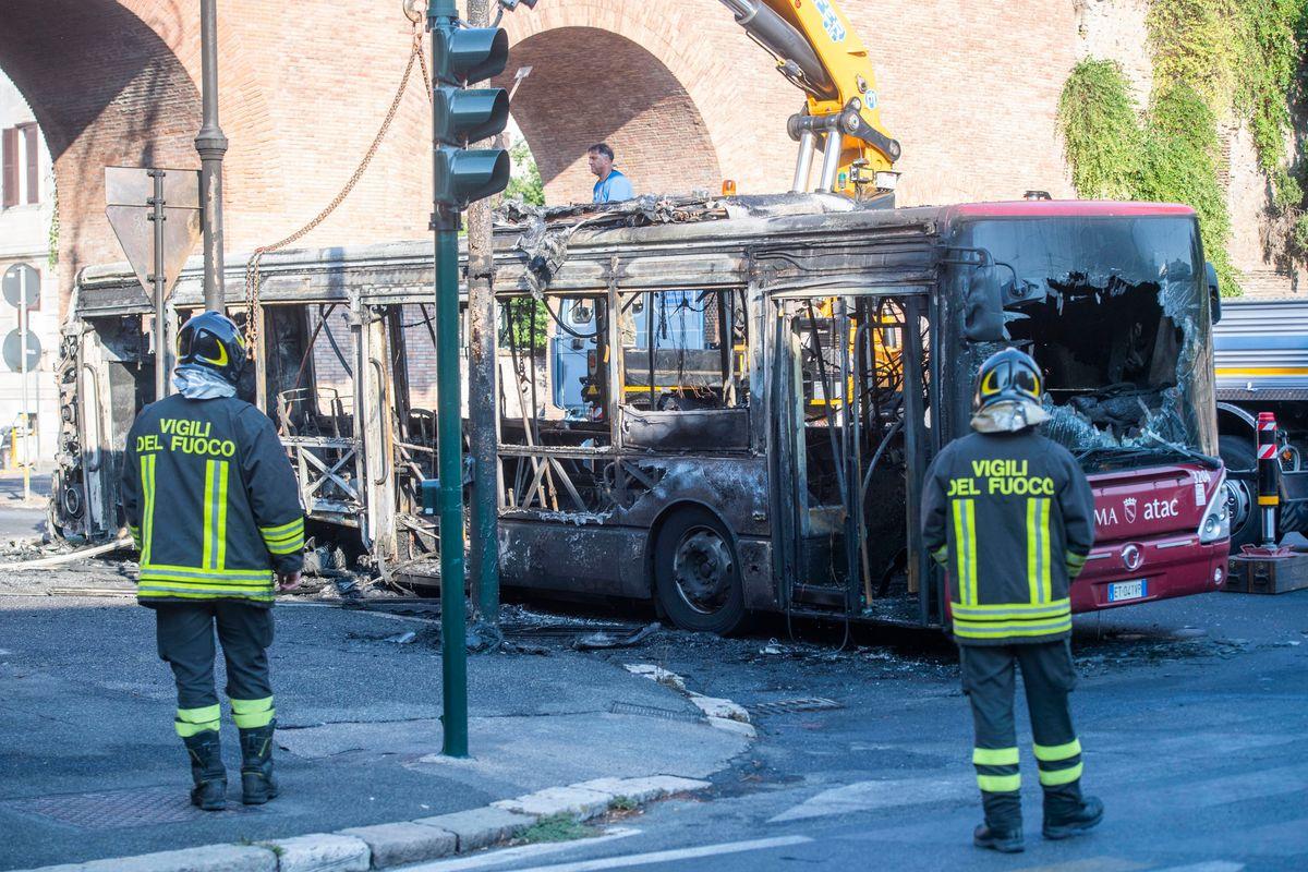 Abbiamo perso l'autobus. Il Covid rivela il disastro dei trasporti locali in Italia