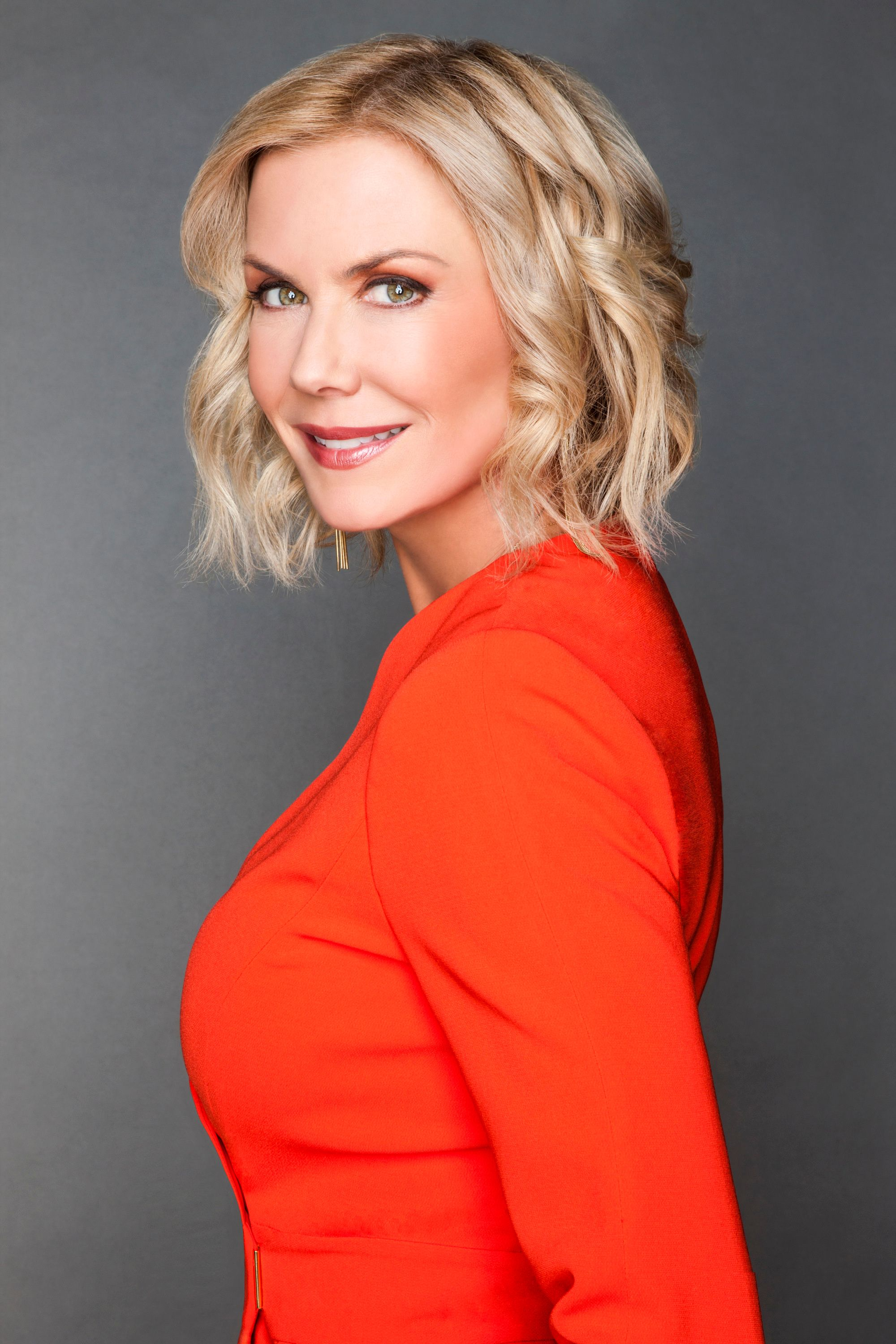 Katherine Kelly Lang as Brooke Logan in a red dress
