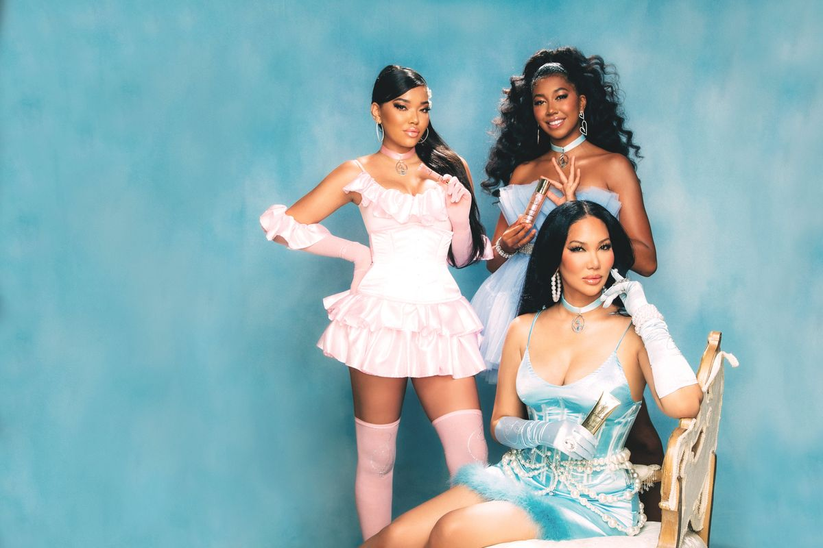 Kimora Lee Simmons Launches Baby Phat Beauty With Her Daughters