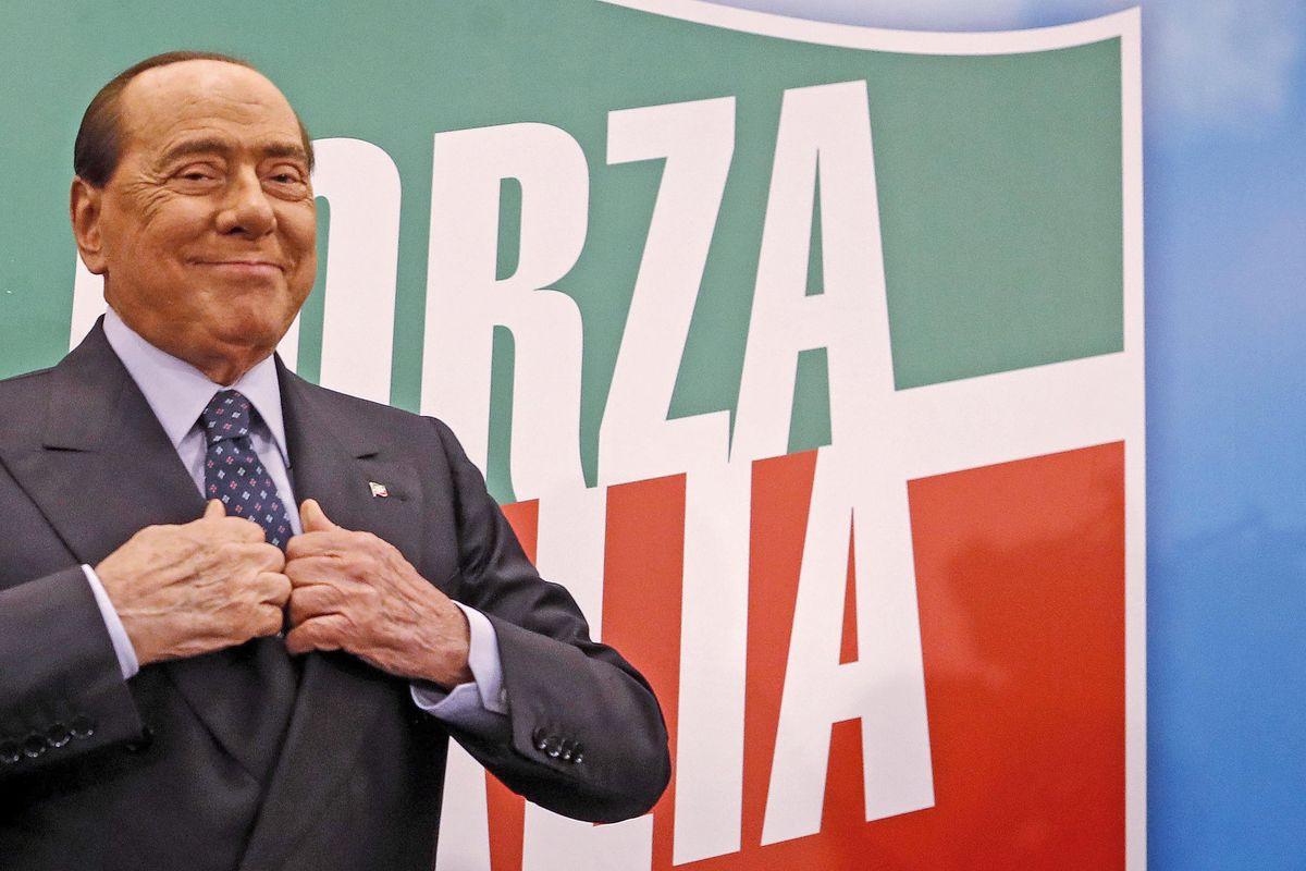 Silvio Berlusconi ha il Covid, ma è asintomatico