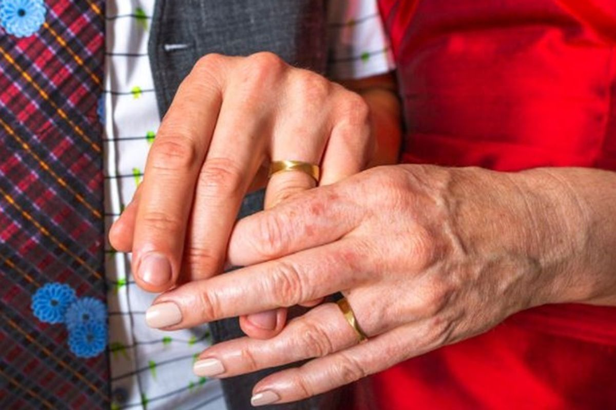 She lost her wedding ring shortly after the big day. 40 years later, it finally turned up.