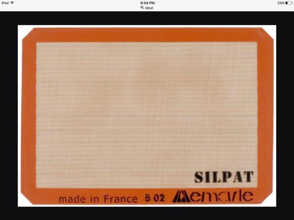 Un silpat est utilisé pour fabriquer des aliments sur une surface antiadhésive. Je peux l'utiliser pour une surface antiadhésive.