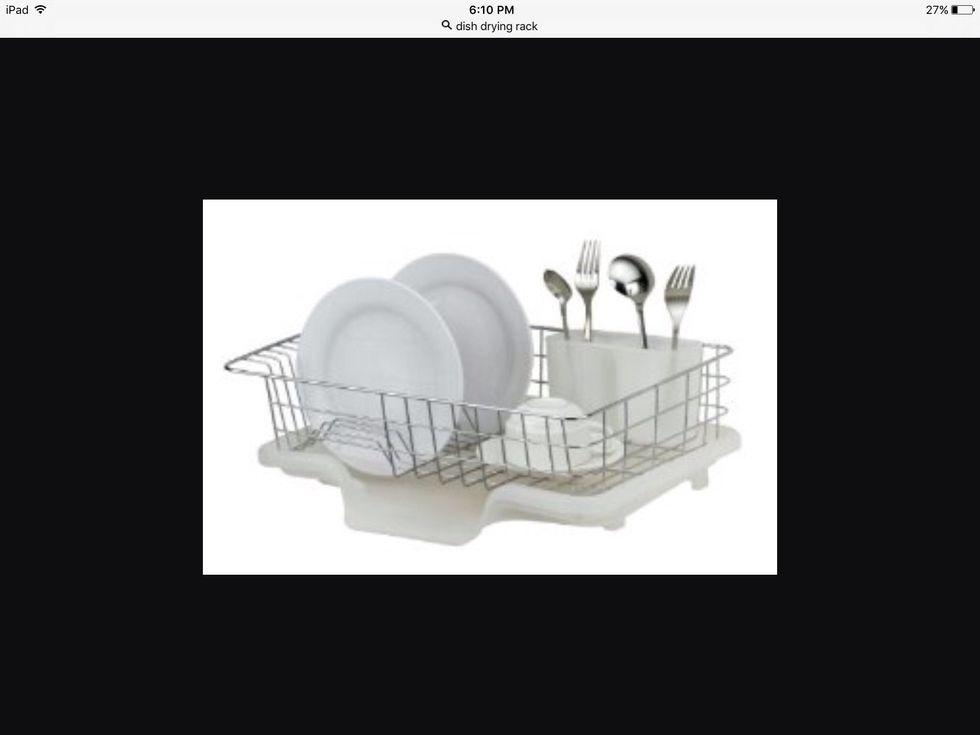 Un séchoir à vaisselle est utilisé pour sécher la vaisselle à l'air. Je peux l'utiliser pour sécher la vaisselle.