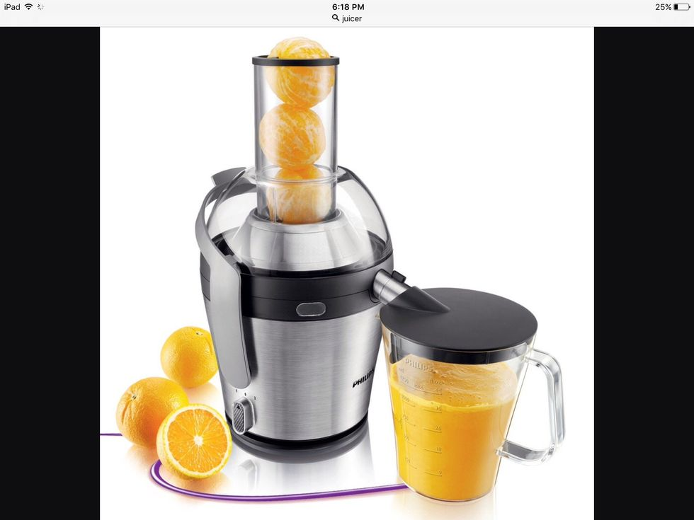 Un presse-agrumes est utilisé pour faire du jus. Je peux utiliser un presse-agrumes pour faire du jus d'orange.