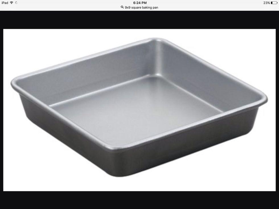 Un plat de cuisson carré 9x9 est utilisé pour cuire les choses. Je peux l'utiliser pour cuire un gâteau.