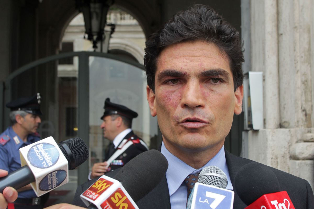 La Regione Lazio paga 500.000 euro e promuove l'avvocato anti Casta