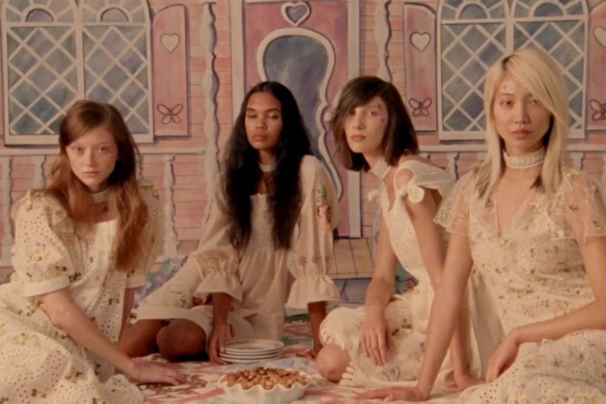 Anna Sui Staged a High-Fashion Picnic With Pies and Dollhouses