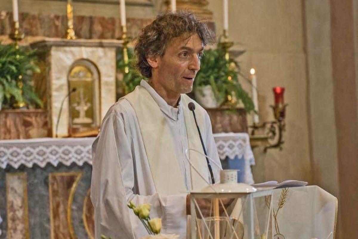 Immigrato ammazza un sacerdote a Como. La Caritas incolpa il resto degli abitanti