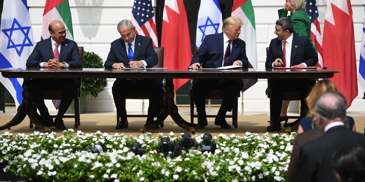 Palestinian militants fire rockets at Israel as historic peace agreement is signed at White House