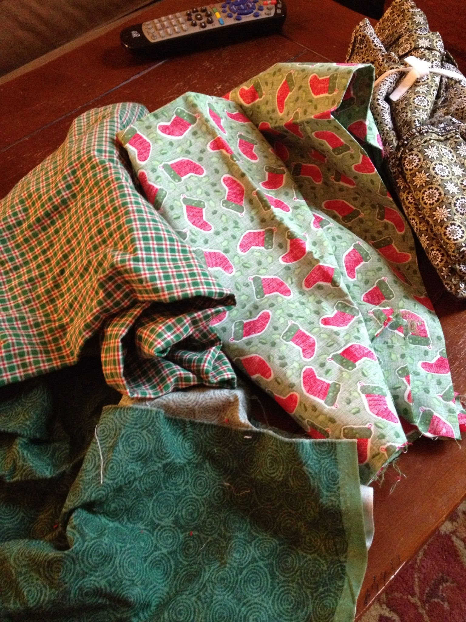 How To Make A Holiday Rag Wreath B C Guides