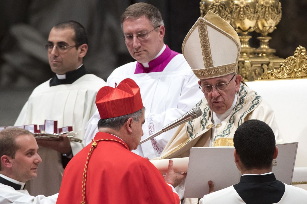 I soldi al fratello dell'ex cardinale? Una triangolazione con la Caritas
