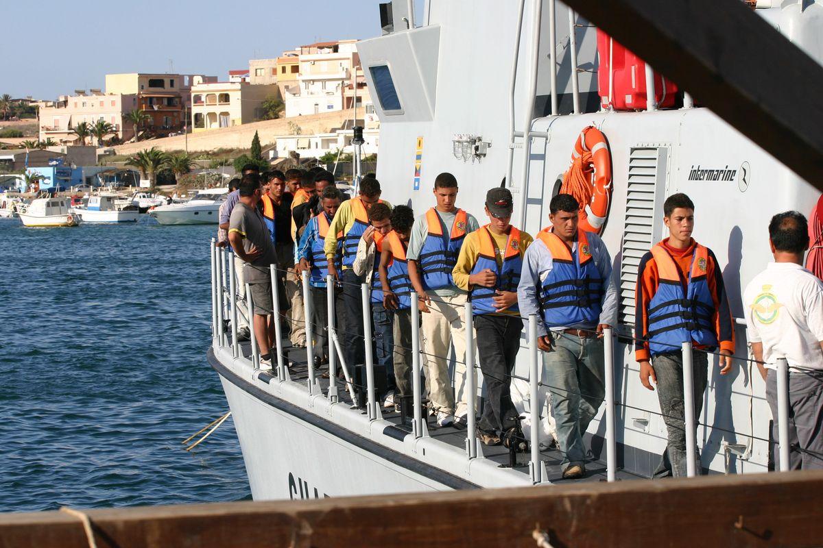 Il centro profughi degli scandali gestito dalla madrina delle guardie svizzere
