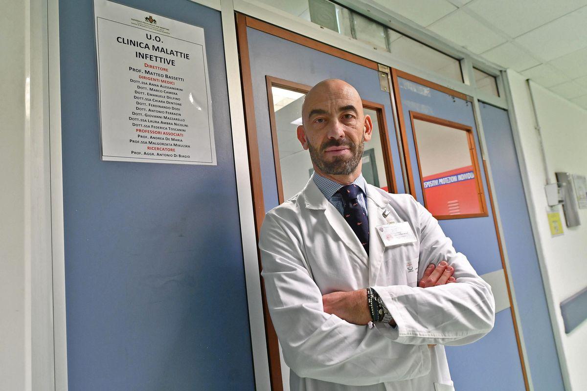 «Basta tamponi a strascico. Investiamo sui medici e accorciamo le quarantene»