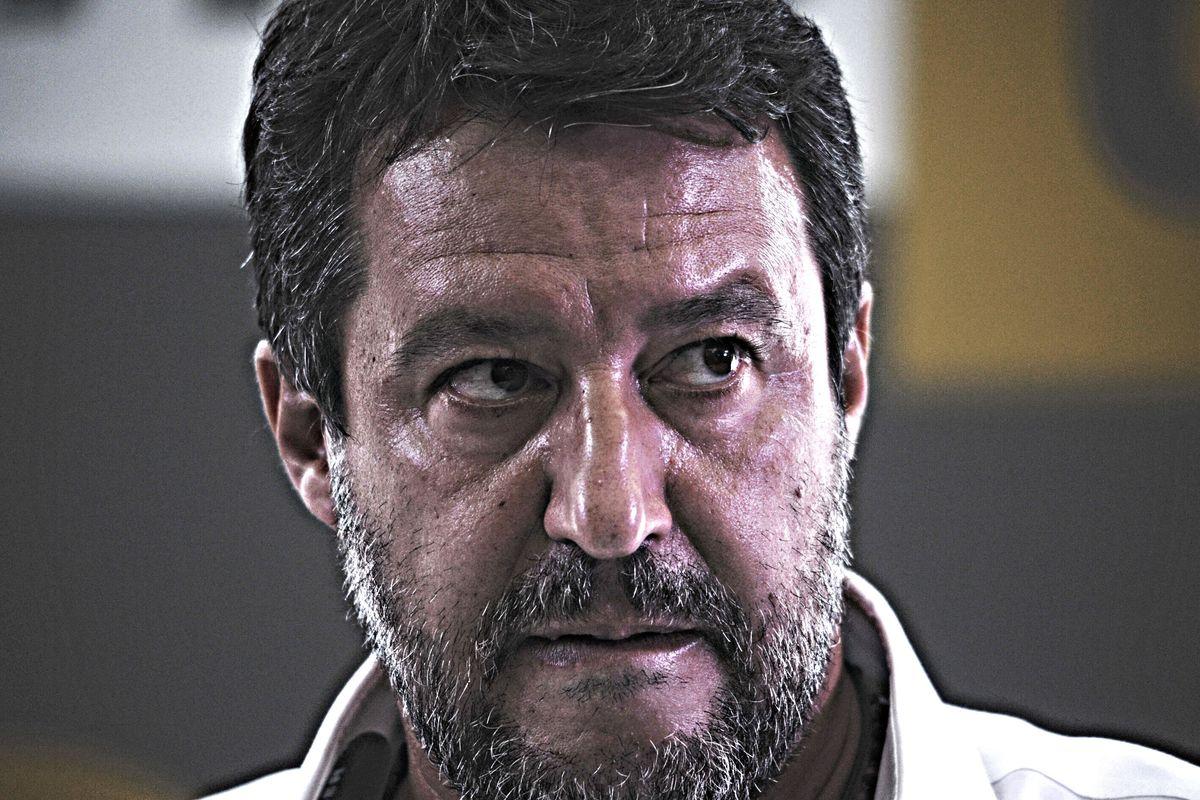 Comincia il processo contro Salvini. E il Regno Unito vara una flotta di Diciotti