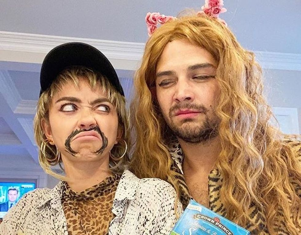 Sarah Hyland and Wells Adams dressed up as Joe Exotic and Carole Baskin from Tiger King on Netflix