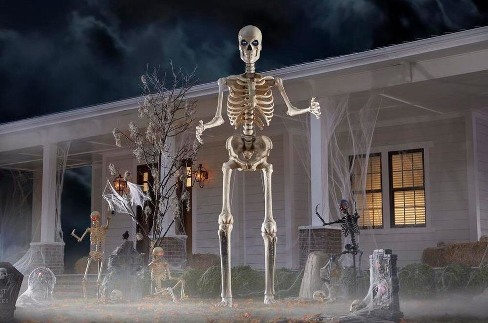 The Internet Is Falling For Their Giant Skeleton 'Boyfriends,' And It's Hitting My Funny Bone