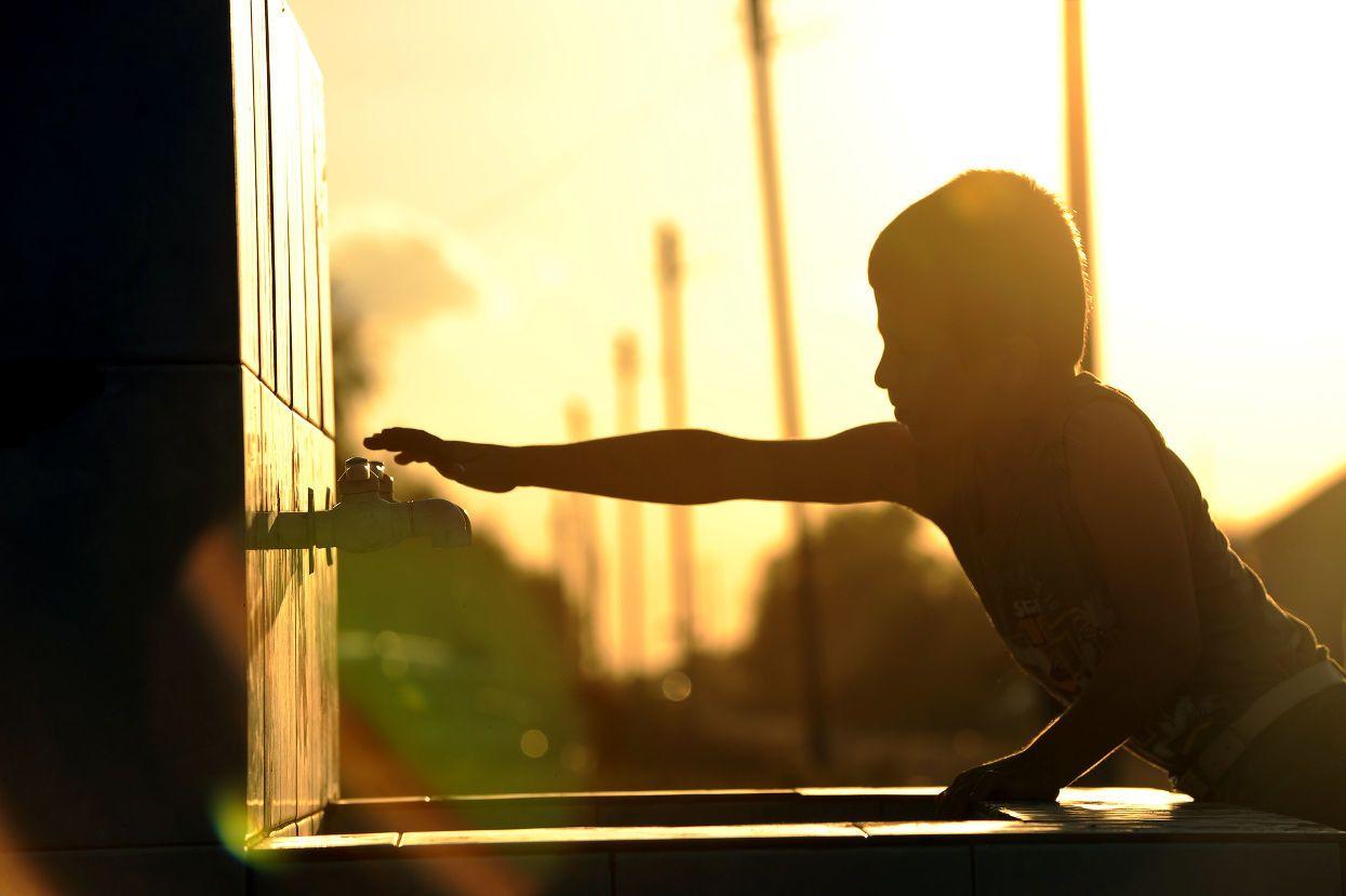 Babys, die einem höheren Fluoridgehalt ausgesetzt sind, erzielen bei IQ-Tests niedrigere Ergebnisse