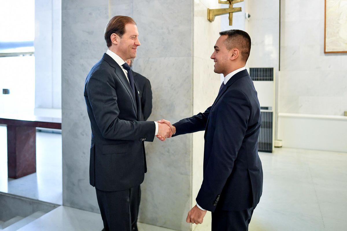 Di Maio vola in Russia dal ministro nominato cavaliere da Mattarella