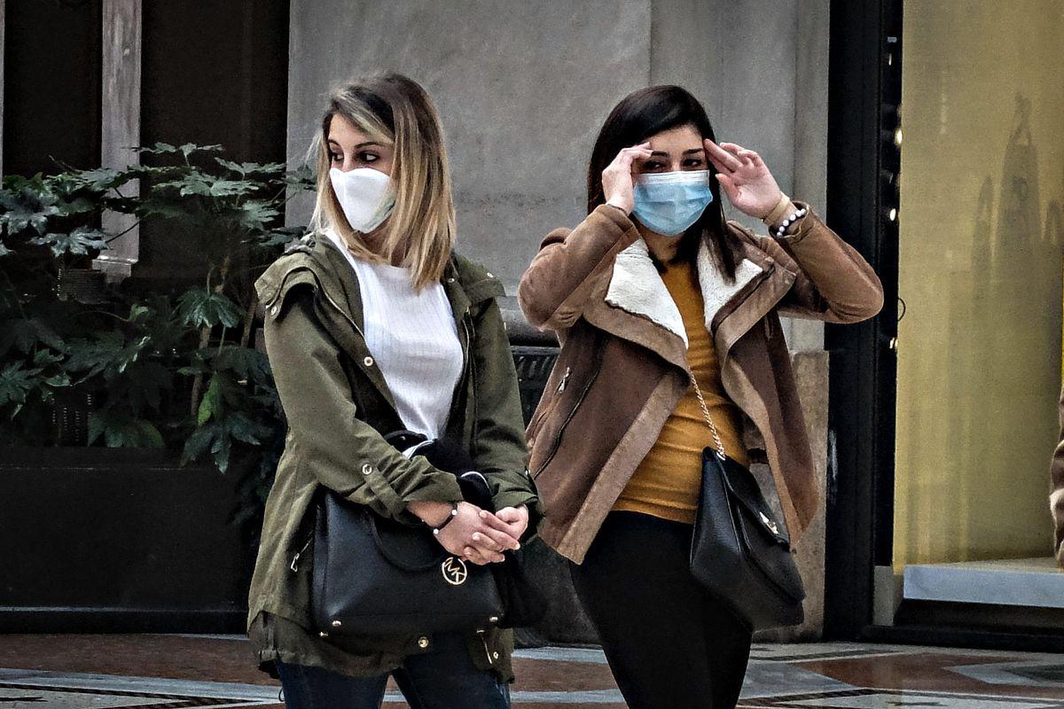 In tv violano il decreto sulle mascherine