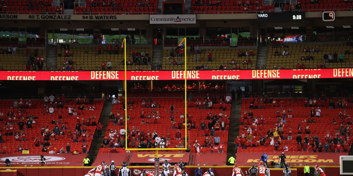 Chiefs fan who attended live game tests positive for COVID. Now 10 others are in quarantine.