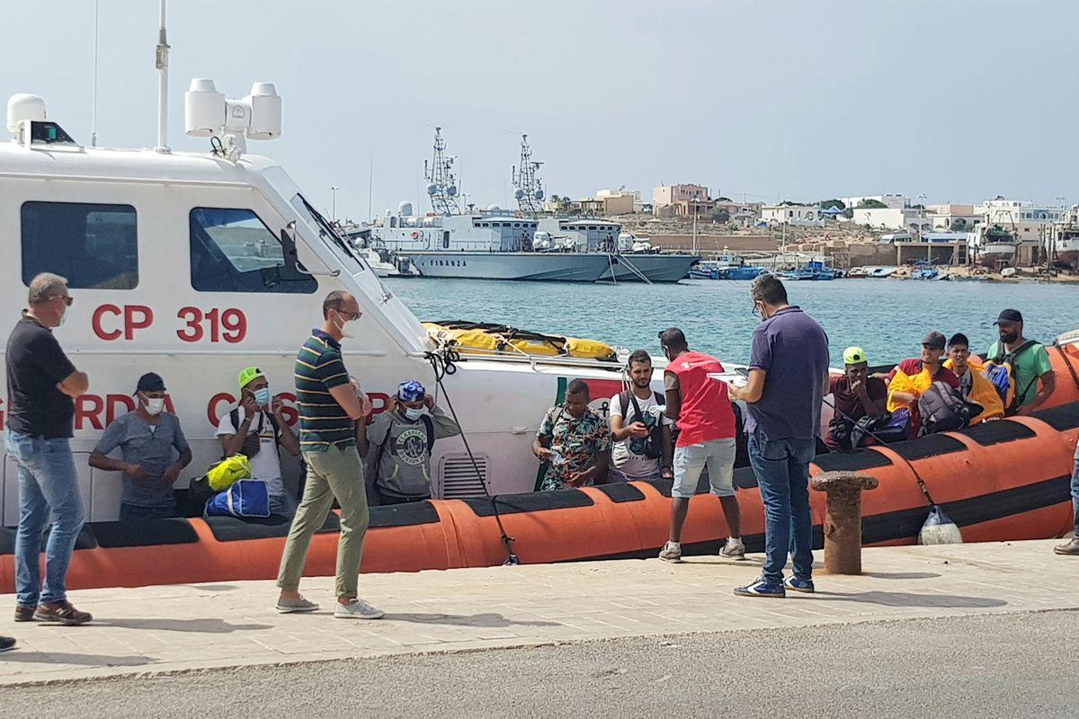 Lampedusa conciata peggio di prima per i rimpatri fasulli dei giallorossi