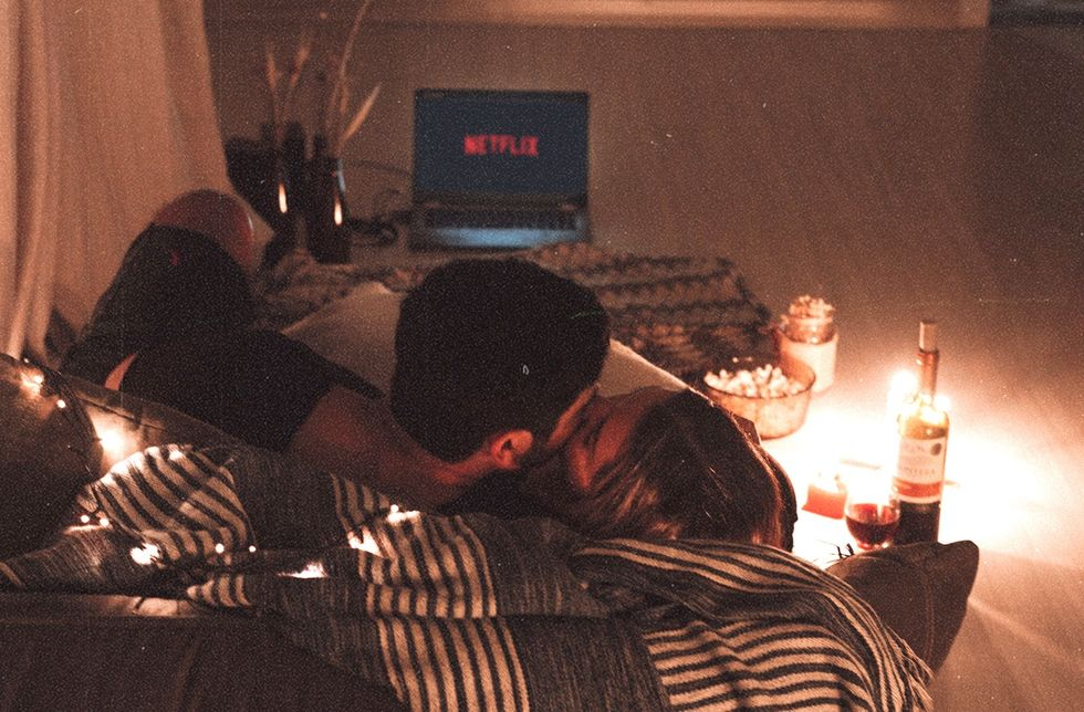 10 Ideas For A Cozy Date Night In When It's Just Too Chilly To Go Outside