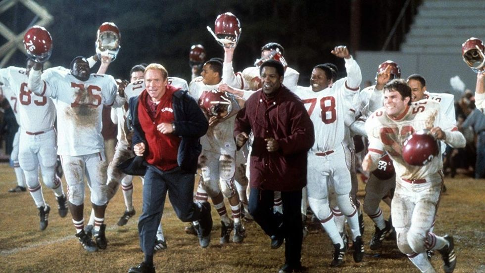 4 Ways That The 20 Year Anniversary Of 'Remember The Titans' Could Be A Lesson In Today's World