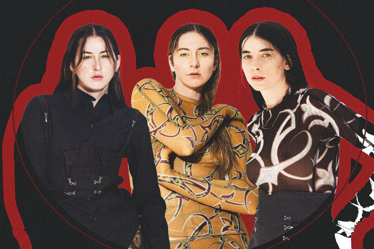Woman From a Magazine Chats With HAIM