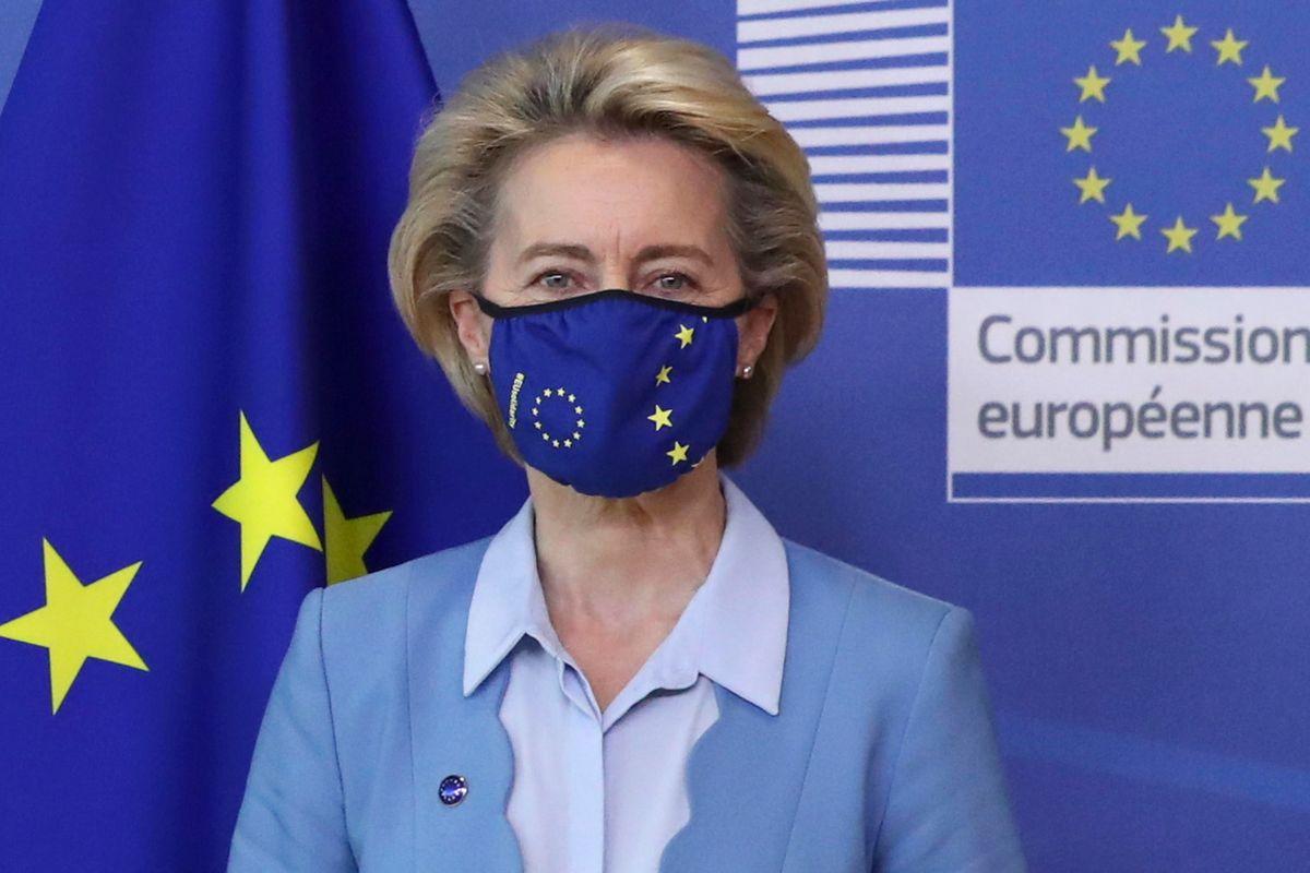 Gli eurocrati vivono sulla Luna. Si sbrighino, prima che sia tardi