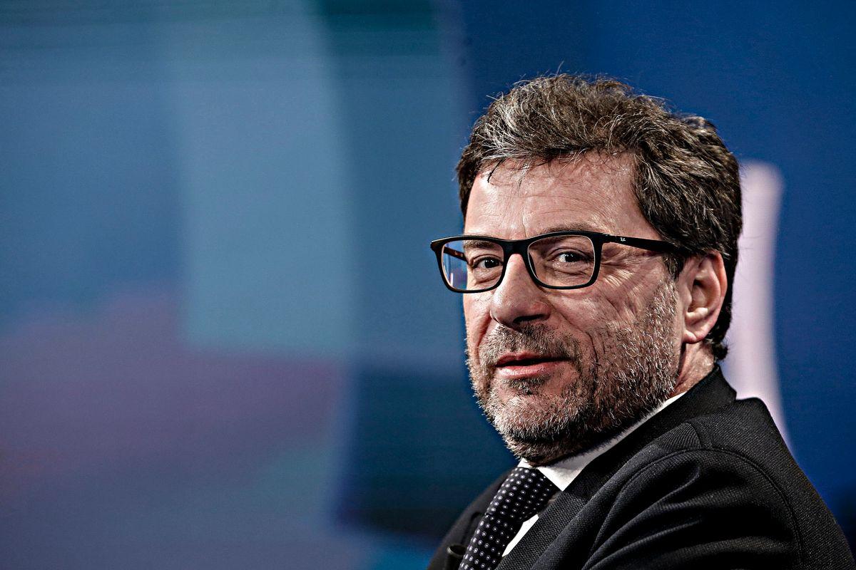 Giorgetti: «In Europa non ha senso dire sempre no»