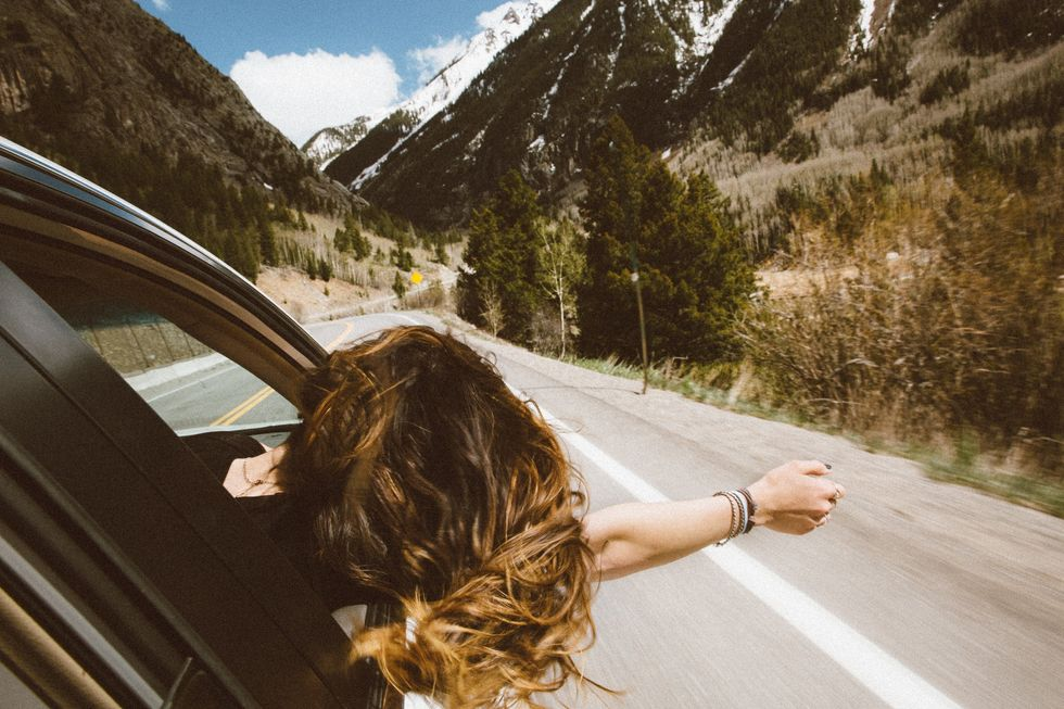 10 Songs We All Need To Add To Our Fall Roadtrip Playlist
