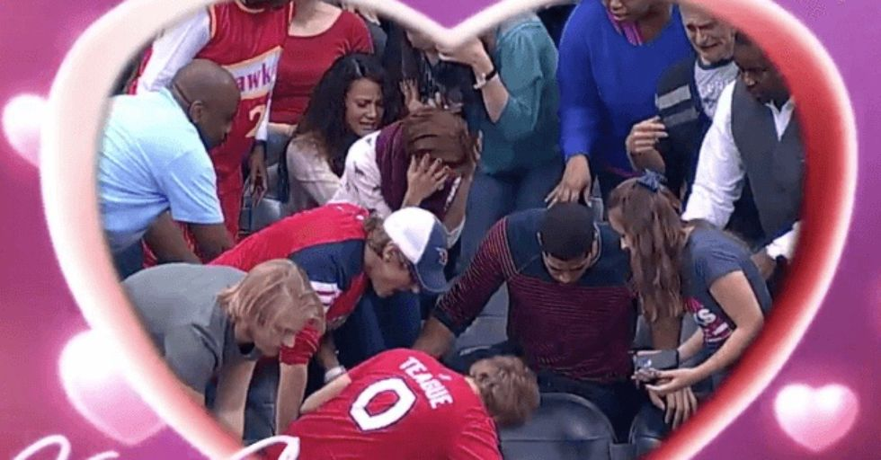 Guy Proposes On the Kiss Cam and It Goes Horribly Wrong