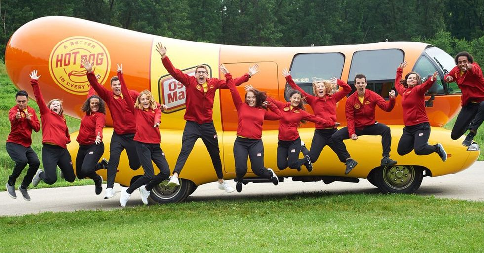 Oscar Mayer Is Hiring People To Travel Cross-Country In A 27-Foot Wienermobile