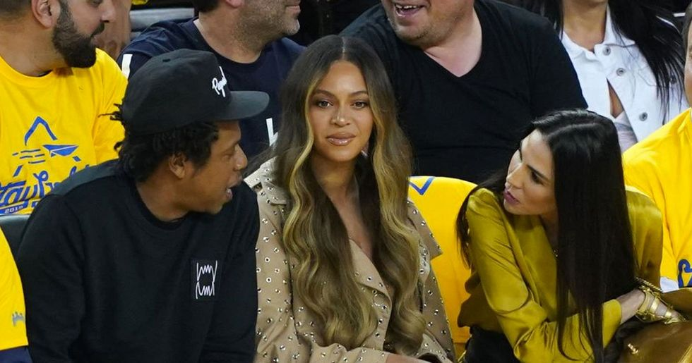 Beyonce's Unamused Reaction to a Woman Talking to Jay-Z Is All of Us