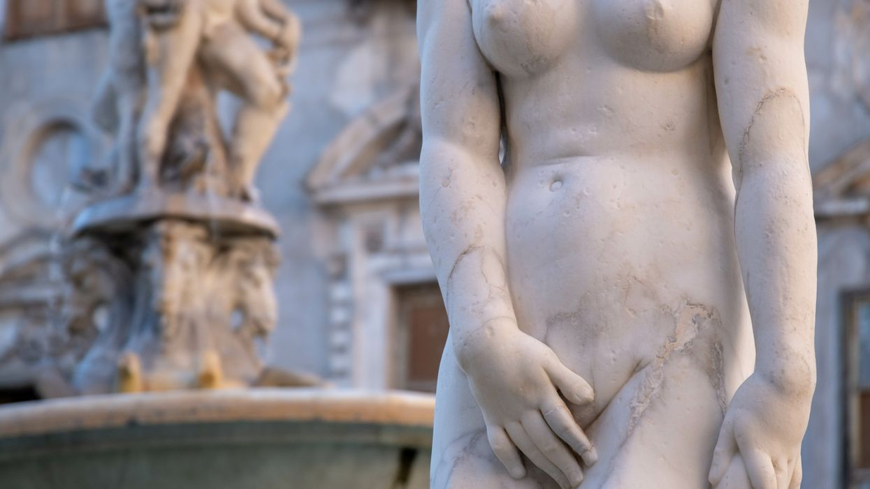 marble statue of nude woman