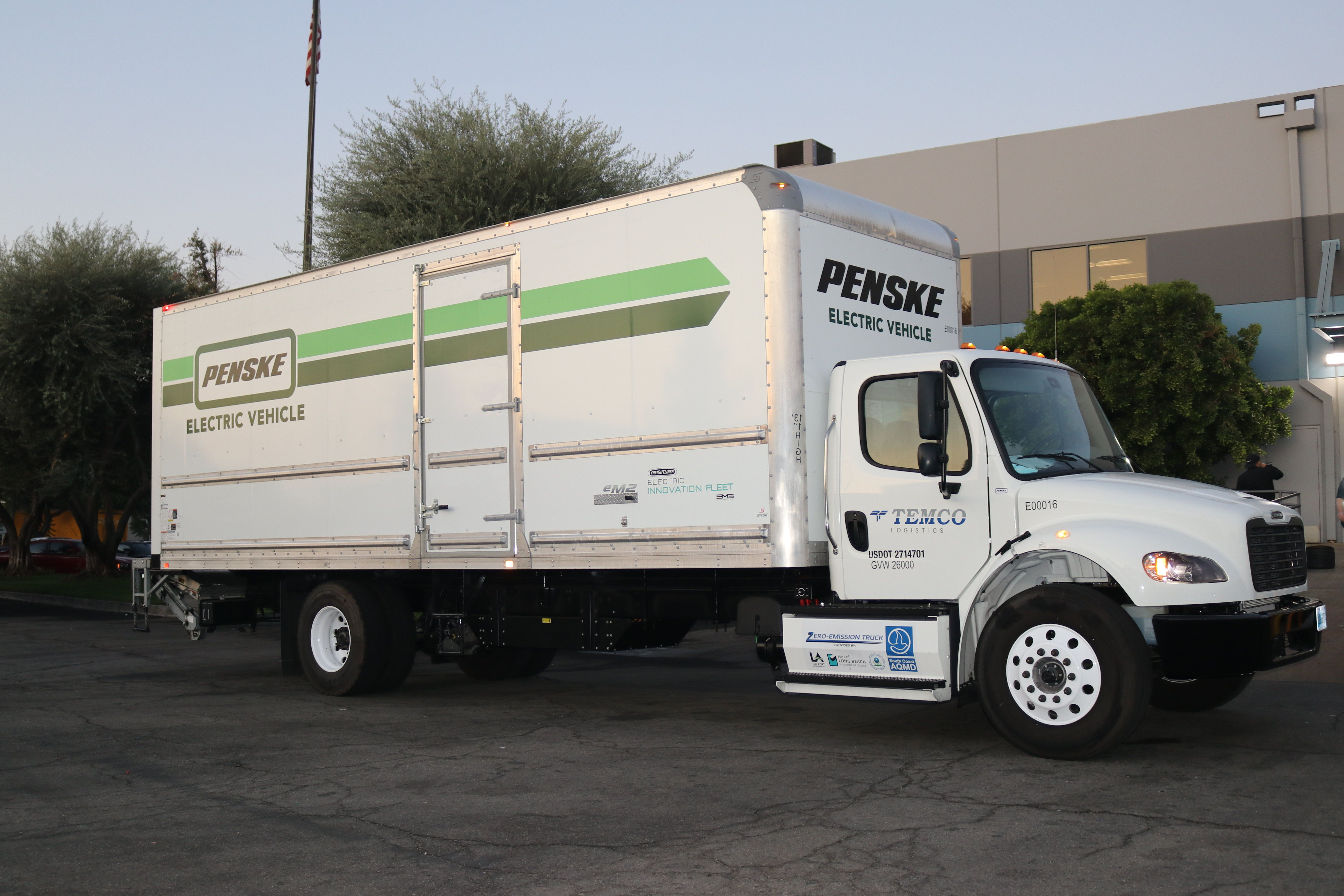 Penske Deploys Battery Electric Truck with Temco Logistics