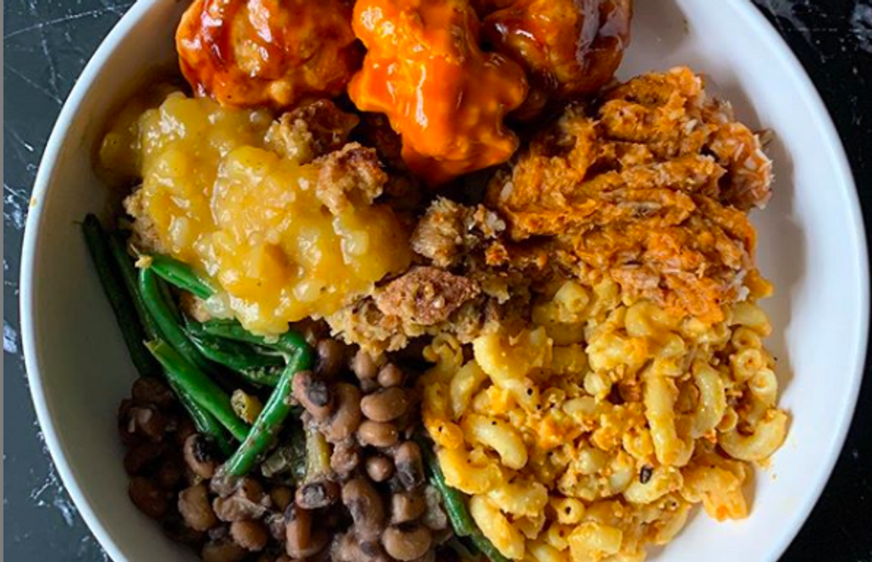 These 13 Vegan And Vegetarian Dishes Will Blow Your Thanksgiving Turkey Lovers Away