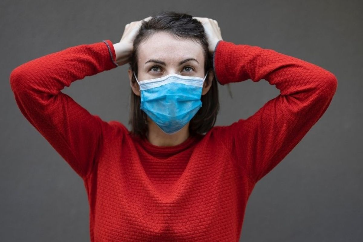 How your brain tricks you into taking risks during the pandemic