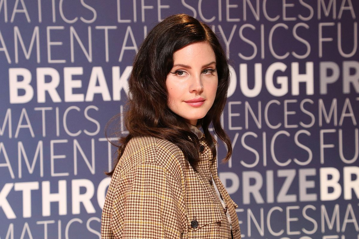 Lana Del Rey Addresses Mesh Mask Controversy