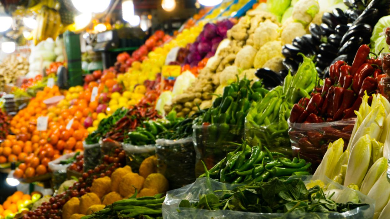 10 Tips for Cleaner Grocery Shopping