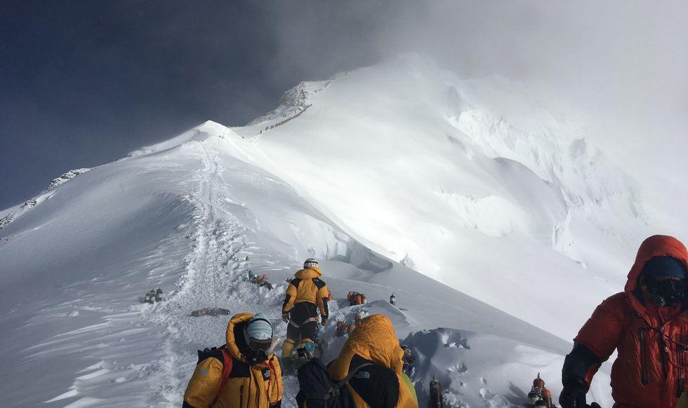 Summit Mount Everest pollution