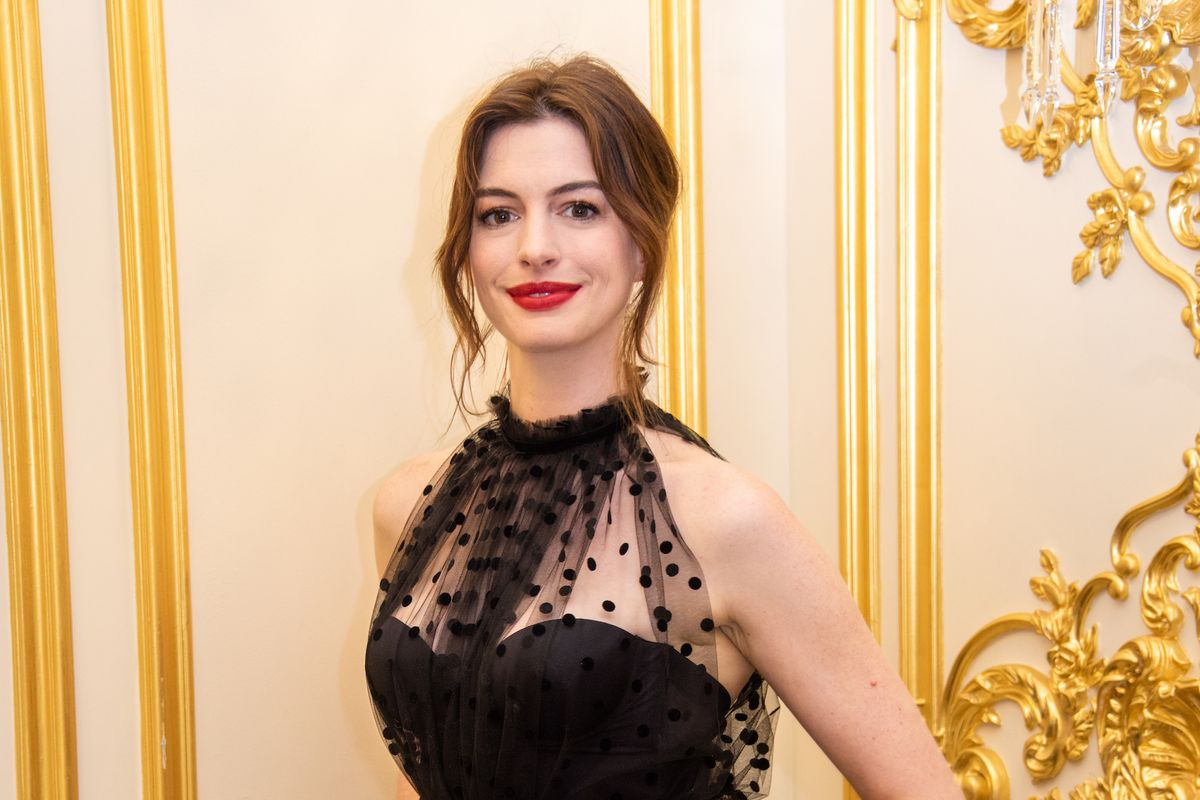 Anne Hathaway Apologizes to Disability Community After 'The Witches' Backlash