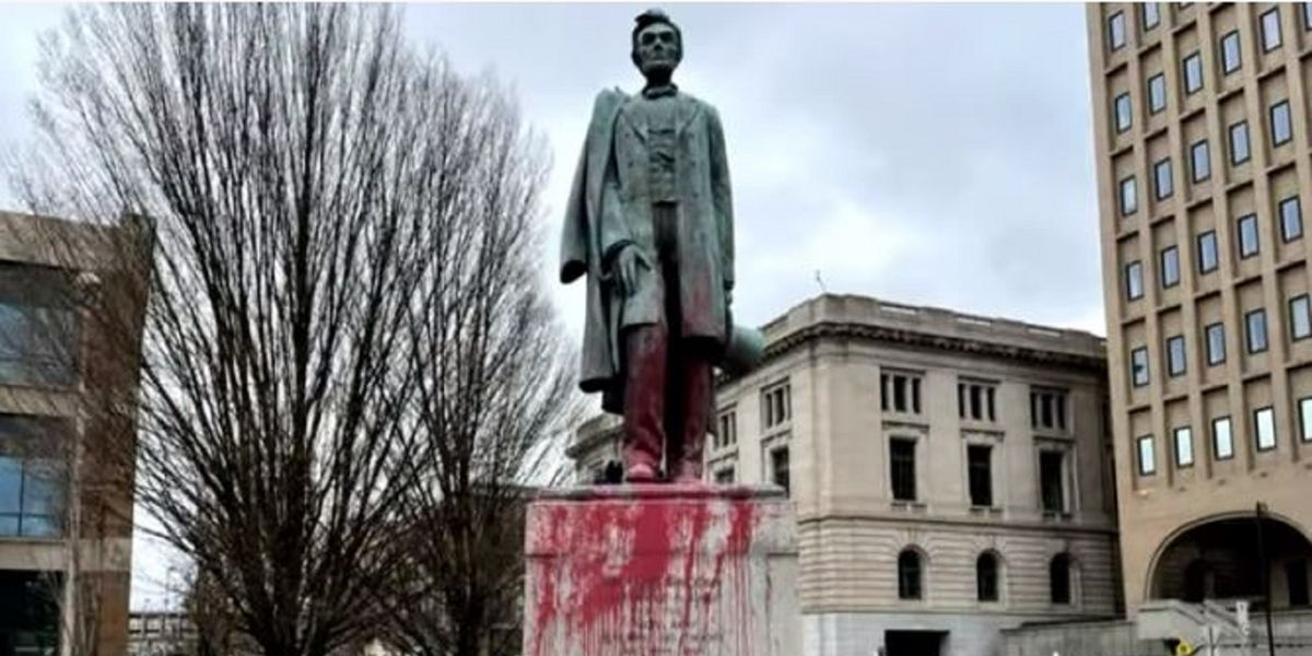 'Decolonization' activists vandalize  monuments in 4 states over Thanksgiving
