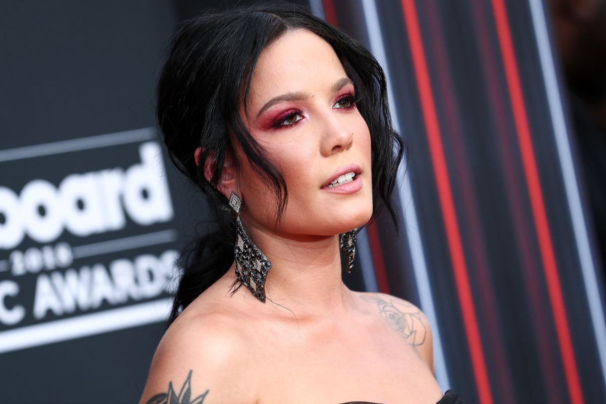 Halsey Calls Out the Grammys