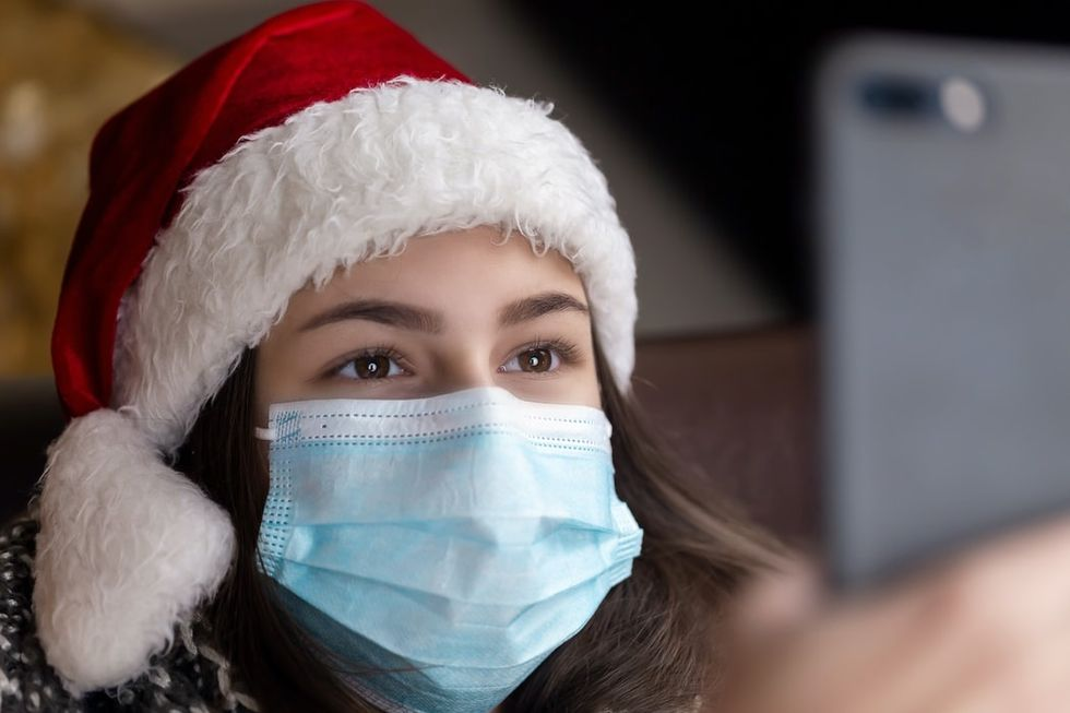 10 Ways You Can Safely Enjoy The Holidays During The Pandemic