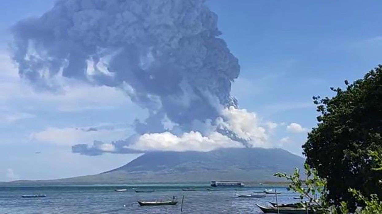 Volcano Eruption in Indonesia Forces Thousands to Evacuate