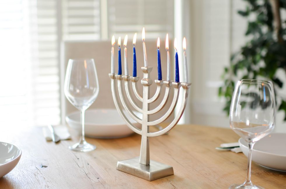 A Guide To Chanukah For Those Who Still Have No Clue What It Is