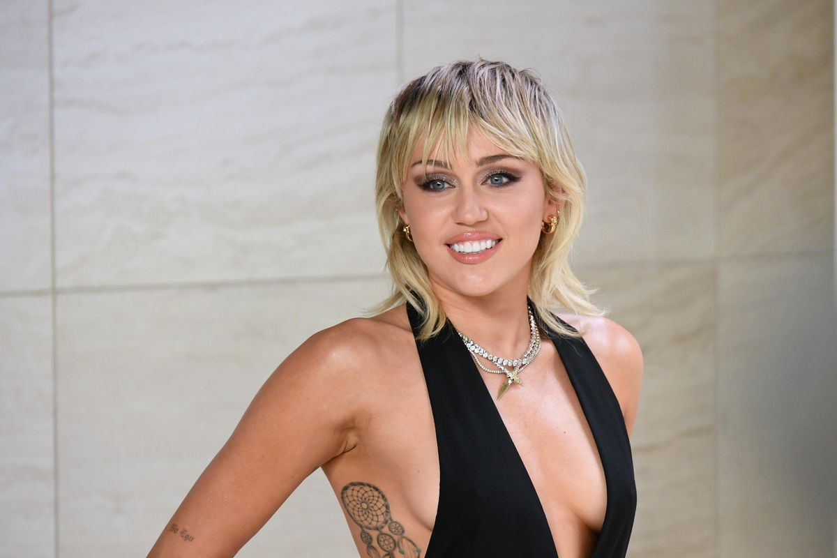 Watch Miley Cyrus Do Courtney Love